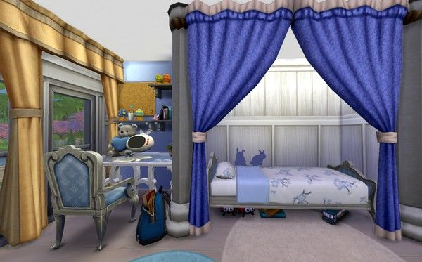 Спальное место и письменный стол для симки.